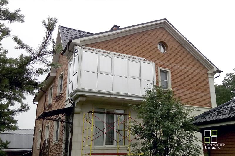 Остекление коттеджей. Балкон на коттедже